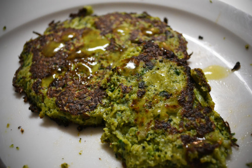 Broccoli-Spinach Fritters with Flax! I saw the Broccoli Fritters that Chelsea Alysse posted and I was inspired, so I created these babies! Adapted recipe:1 head broccoli, steamed2 handfuls spinach1 eggMrs. Dash original seasoning (sodium free)Coconut Oil Directions:1. Take the steamed broccoli and fresh spinach and pulse in a blender or food processor until finely chopped.2. Mix broccoli/spinach in a bowl with egg and Mrs. Dash.3. Heat 1/2 tablespoon coconut oil in a skillet. Once heated, drop mixture in by large spoonfuls.4. While first side is cooking, sprinkle flax seeds on top.5. Flip once it's cooked enough to do so. Cook until crispy! I of course topped mine with green tabasco sauce :) I just can't help myself!