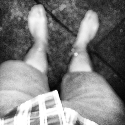 Barefoot in the fountain at Princeton on the first night of summer vacation #barefoot #princeton #princetonnj #summer #fun #fountain #love #bw #monochrome #flash #blackandwhite  (at Princeton, NJ)