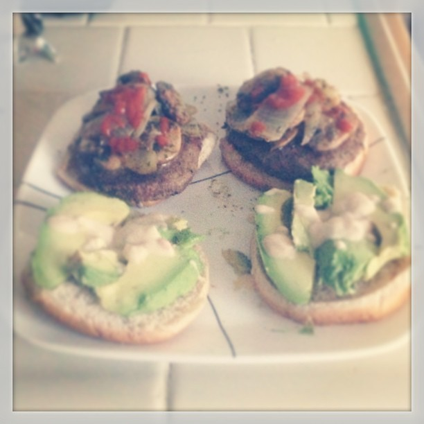 #homecooking #turkey #burger with #avocado #onions #mushrooms and #sriracha all on #wheatbuns