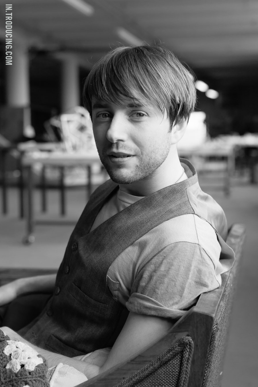 INTRODUCING / VINCENT KARTHEISER SHOT FOR GRAVURE