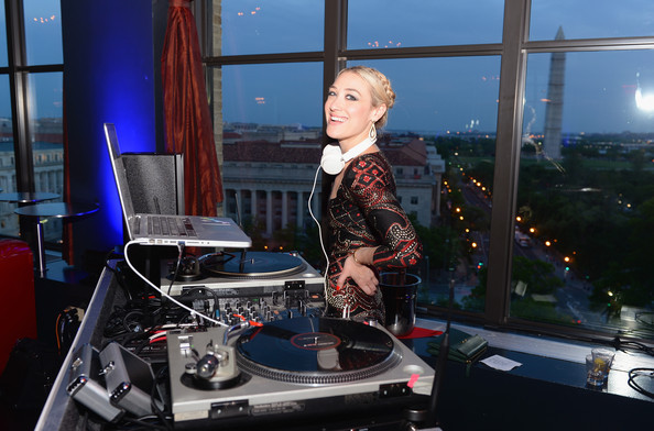 WASHINGTON DC VIBES AT THE NEW YORKER PARTY #WHCD2013
