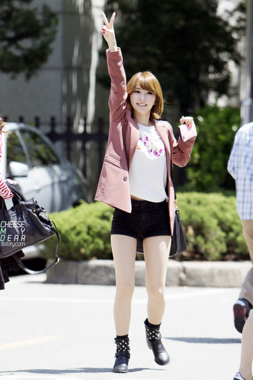 HYEMI & KYUNGREE130517 Music Bank Commute© Cheese My Dear | DO NOT EDIT