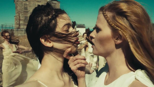Lily McMenamy & Lara Stone star In The Black Keys' 'Weight of Love' Video*Glamour