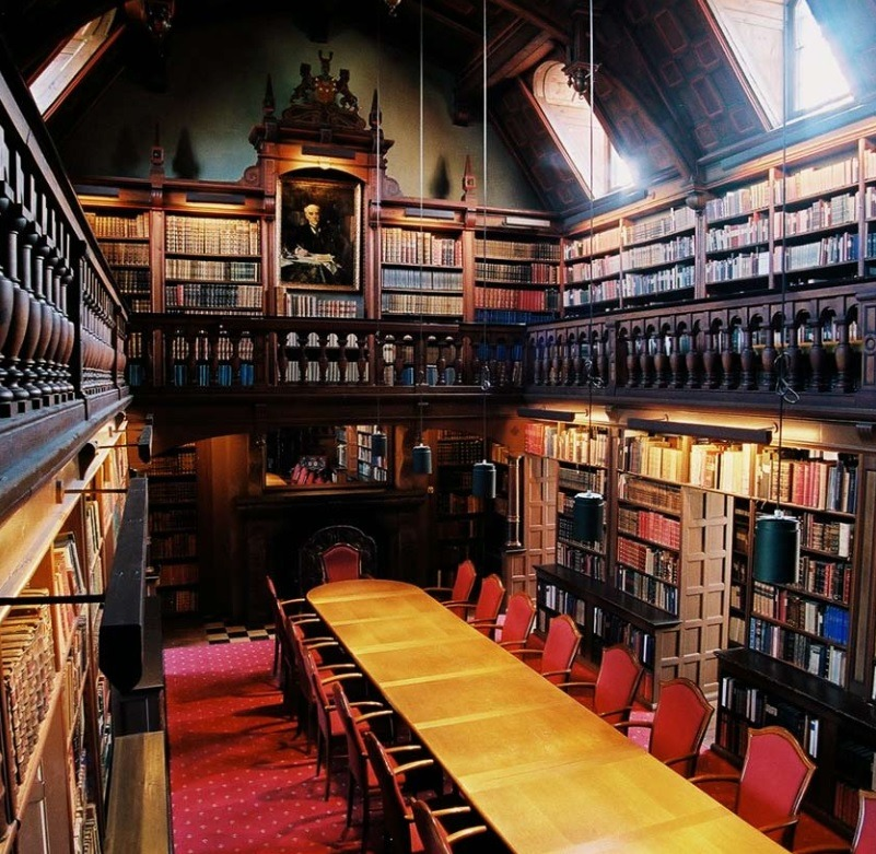booksnbuildings:  Trolleholm castle library, Sweden