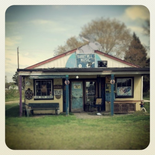 #great #old #recordstore #music #shop by the side of the road (at Rabbit Hill Instruments)
