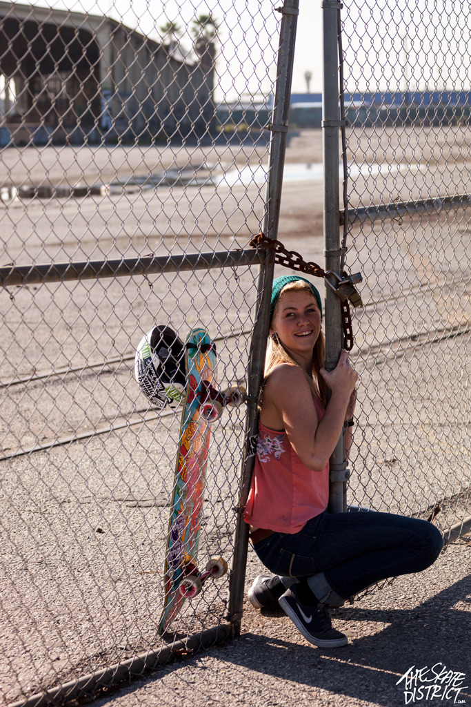 skatedistrict:  Amanda Powell up to no good.