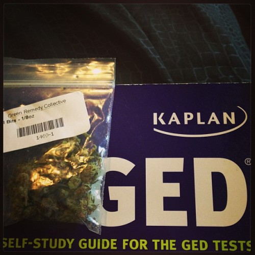 Mean while at my house… GED studying and #bong rips… Couldn't sign up for today so ill go Thursday 😫 that means I get a little time to study… Lets see if I get #high maybe ill get high score right ? 😳😊 right! Lol 💋💨 #weed #stoner #stonerdyke #stonergirl #pot  #ged