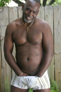 olderblackmen:  Black Bahamas daddy