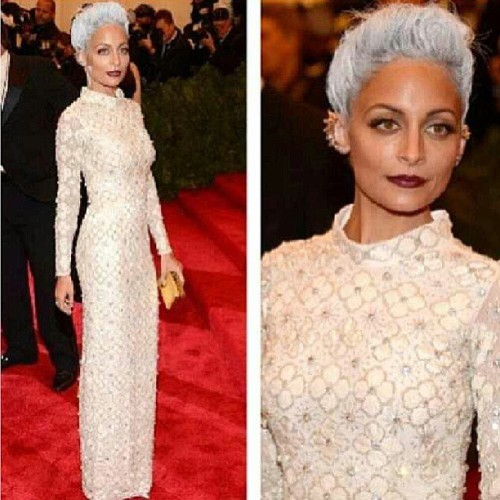 styledwear:  Nicole Richie in embroidered Topshop column gown, silver spray painted hair and wine colored lips #winner #Metgala #2013 This is what It's all about.