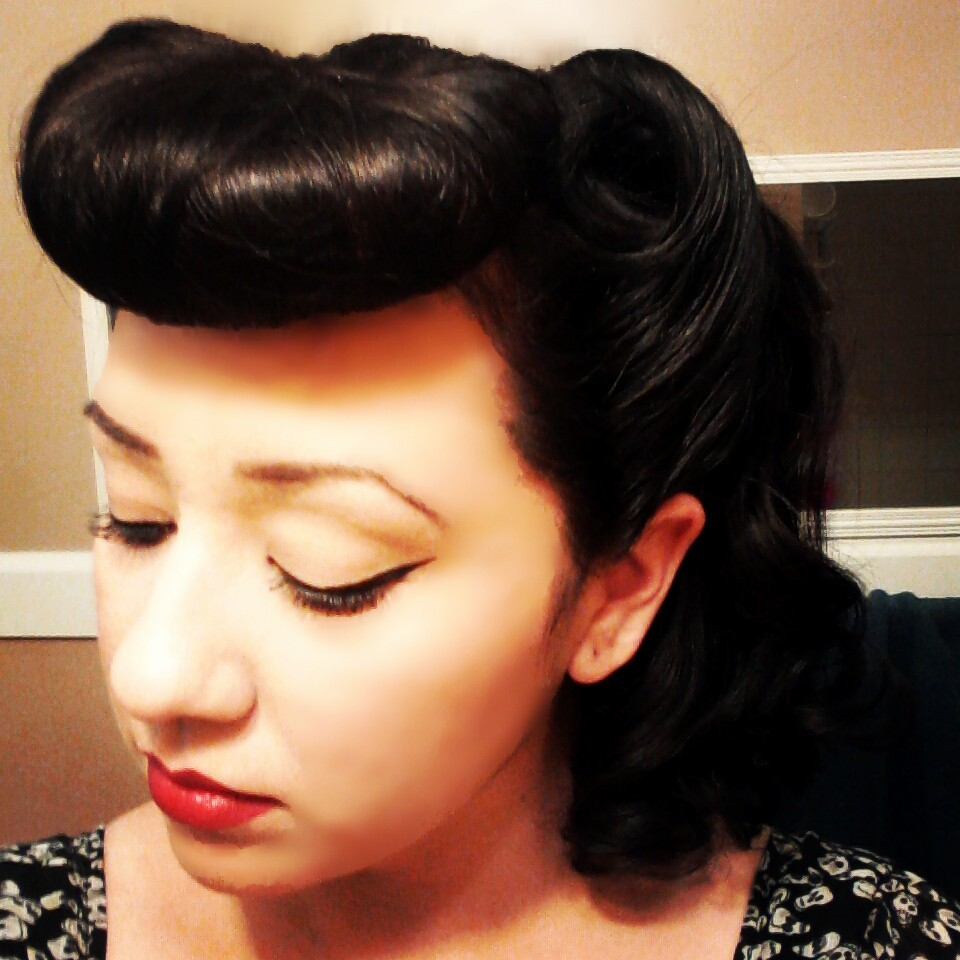 curlupanddry:  Victory rolls and faux bangs : )