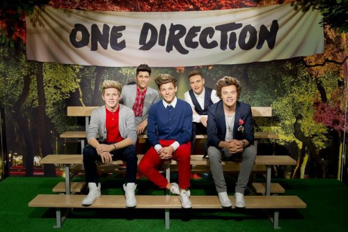 One Direction waxworks have hit Madame Tussauds today!  Niall and Louis are spot on!! The others look uncanny. (how funny would it be if somebody broke in and shaved off all of their hair, though)