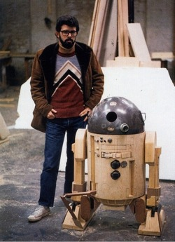swartenwit:  Vintage STAR WARS Photo - George Lucas with Unfinished R2-D2