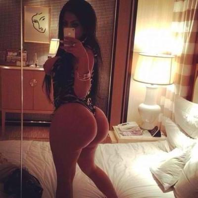 suzzdeolinda-uk:  Ass so PHAT need a lap dance - Tyga