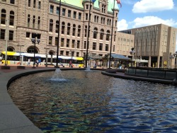 SWF Agent @randomcowboy brings us the MPLS Government Center fountain by day…