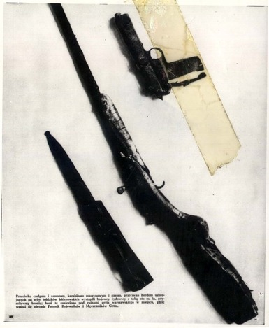 laurentbelkacem:  Guns of the Warsaw Ghetto uprising, which 70th anniversary will be commemorated next January. Yad Vashem collection http://en.wikipedia.org/wiki/Warsaw_Ghetto_Uprising