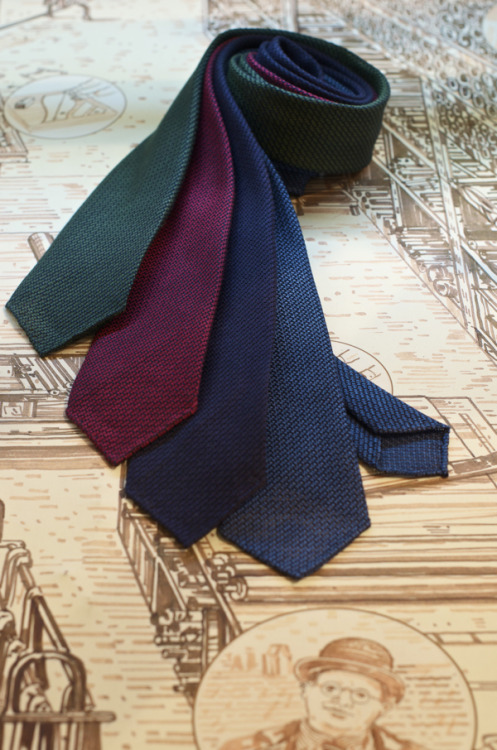 Drake's London ties & bowties - all about materials, colors and details.