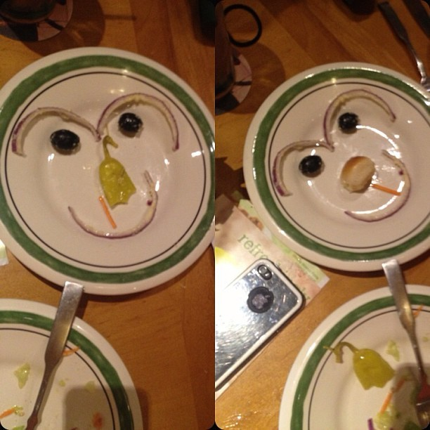 Playing with their food lmao  (at Olive Garden)