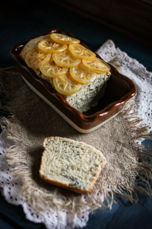 neekaisweird:  Very Lemon Loaf with Poppy Seeds