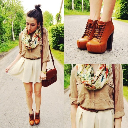 lookbookdotnu:  Colorful scarf (by Pam S)