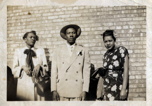 Roma Bryant & Friends 1940's, Indianapolis, IN [Kyle Family album] ©WaheedPhotoArchive, 2013