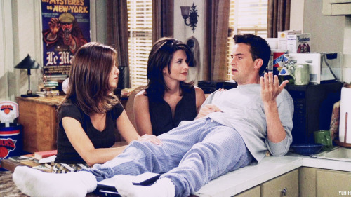 fuckyeahchandlerbing:  I love when the girls take care of Chandler :')