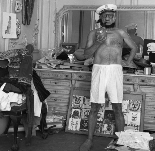 weirdvintage:  Pablo Picasso dressed up as Popeye, photo by André Villers, 1957 (via This is Not Porn)