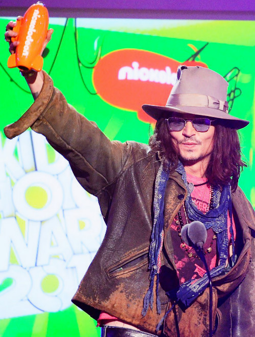 Johnny Depp wins Favourite Movie Actor at the Kid's Choice Awards.
