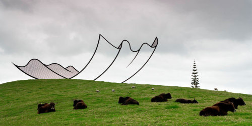 Amazing outdoor sculpture that looks like a cartoon by http://gibbsfarm.org.nz