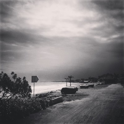 deadEnd. #noswimmingintheocean #black&white #bali #indonesia #blahblahblah #nonstopcartwheels #signs