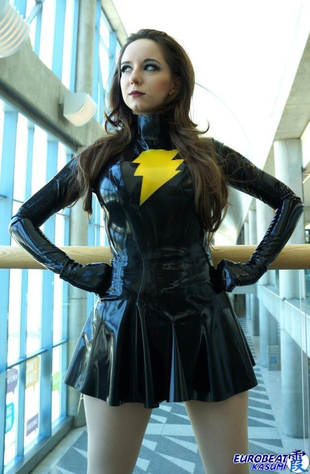 cosplay-paradise:  Evil Mary Marvel