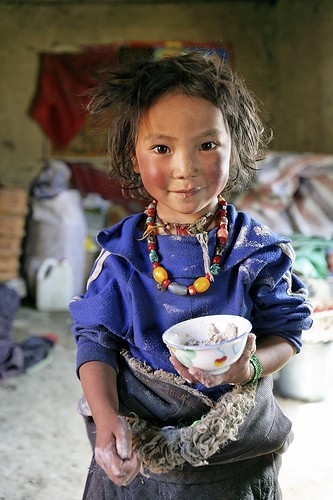 divineblu:  Source (divineblu.tumblr.com) Tibetan nomad girl. Tsatsa, eastern Tibet, 2005. photo by Matthieu Ricard
