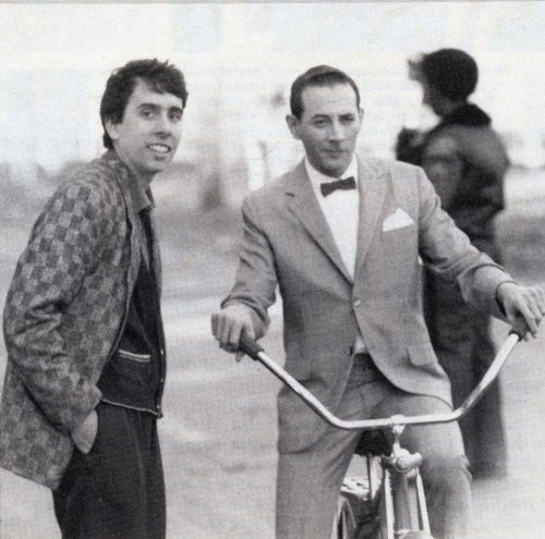 the-woman-who-slapped-the-doctor:  Tim Burton and Paul Reubens on the set of Pee Wee's Big Adventure (1985)