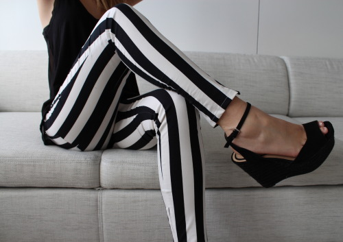 thebyrdflock:  Need these pants.