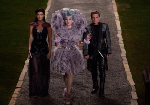 bbook:  The First Actual Trailer for 'Catching Fire' Premieres