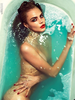prettyfaceddork:   Cara Delevingne looks amazing in Love Magazine. Fav pic of her.  This is amazing.