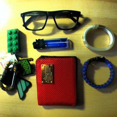 Essentials. Keys (Gripe Carabiner, Lego Brick Light, Mixcrate & Fatlace), 9 Five Watson Eyewear, lighter, Markisa perforated leather wallet, Nike+ FuelBand, & Stussy Bracelet #everydayitems #accessorize