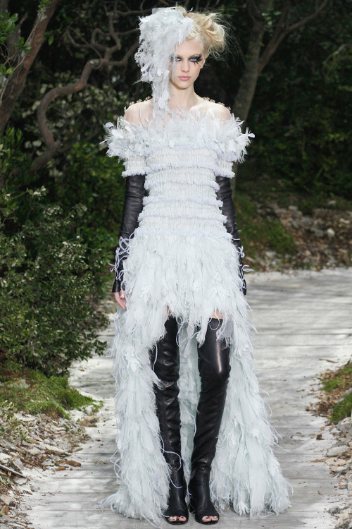 rebeccasharez:  Chanel Couture 2013 Spring.  Hard and soft, just like me! lol love it