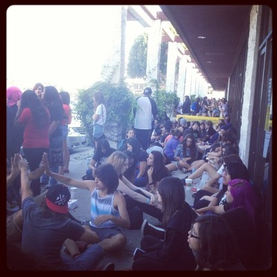…The line just keeps going and going… @somasd #springfever #piercetheveil #alltimelow #springfevertour #live #music #concert #soma #tiredalready (at SOMA)