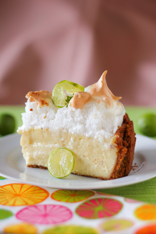 neekaisweird:  Key Lime Pie Cheesecake with Sky-High Meringue