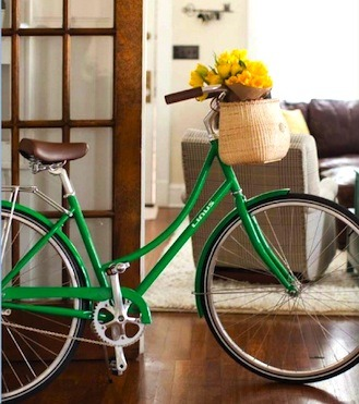 purseladytoo:  Preppy Nantucket Bicycle Baskets - http://www.purseladytoo.com/nantucket-bicycle-baskets/