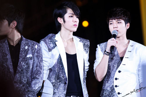 -sungyeol-:  130115 Golden Disk Awards in Malaysia © YeollineDo not edit/crop/remove the watermark.