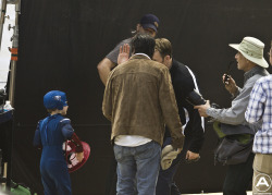 fuckyeahcaptainamerica:  Chris giving lil' Cap a high five on the set of CA:TWS