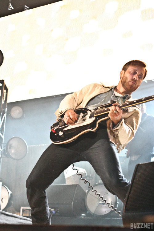 kelleyfox:  Dan Auerbach | The Black Keys | KROQ Weenie Roast 2013
