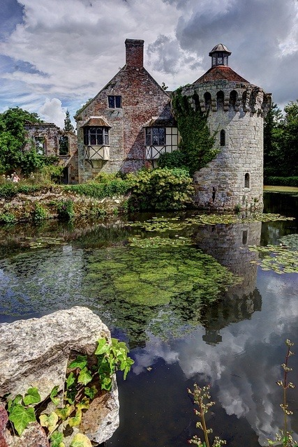 enchantedengland:  pagewoman: pagewoman: Scotney Castle,Kent,England. enchantedengland: In my humble opinion this is the most magical place in Kent.