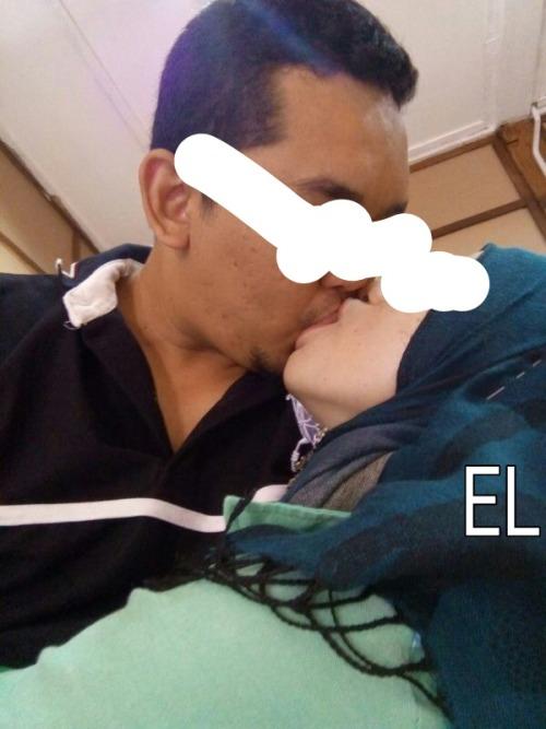 equessladlass:  Lama tak belanja gambar my wife..nah gambar kiss. Reblog kalau korang nak xxxx ngan bini aku…   -eL-   superb!!