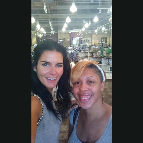 Met my favorite actress Angie Harmon today!! #LawandOrder #Rizzoli&Isles
