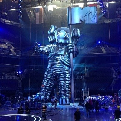 This giant KAWS Moonman is ready for his spotlight at the MTV Awards.