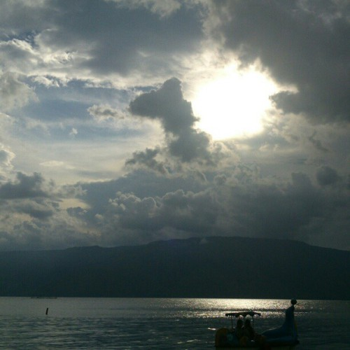 Dawn at pasir putih lake toba, samosir island north sumatera #lake #toba #pasirputih #samosir #northsumatera #indonesia