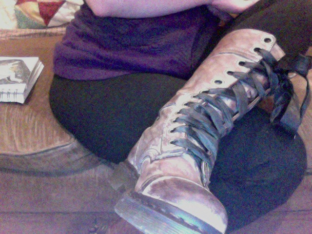 i got new boots! which will probably be uncomfortable to wear in the summer but come next winter…  i will be ready