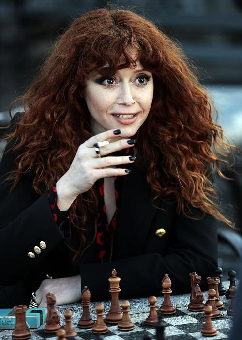 chrisheavans:  NATASHA LYONNE shooting season 2 of Russian Doll in NY, March 2021.